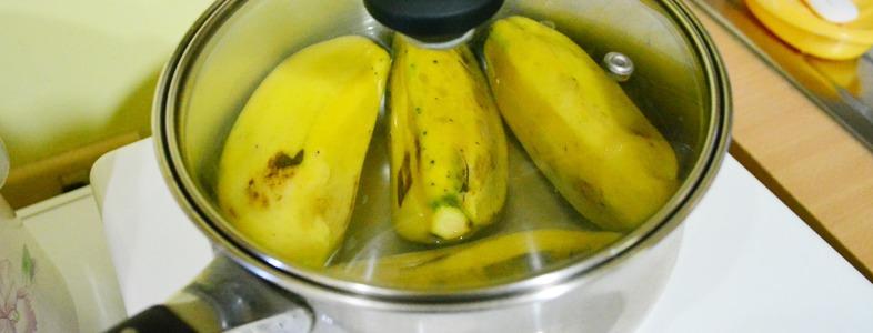 バナナを50度のお湯につける