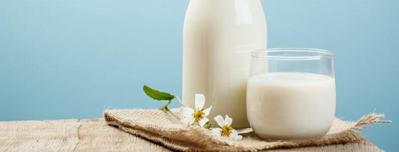 カレーが濃いときに味を薄くするのに便利な牛乳